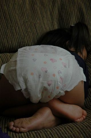 Tahlia_sleeping_003a_3